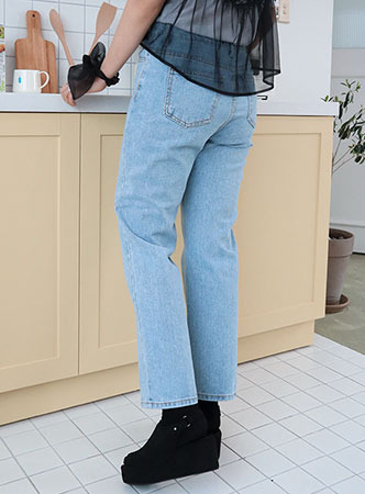 light blue denim pants (3 sizes)